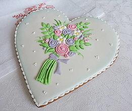 Dekorácie - Medovníkové srdce s kyticou 19 cm - 12868845_