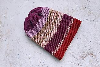 Čiapky - Pletená menšia dvojvrstvová čiapka fialovo farebná - 12867696_