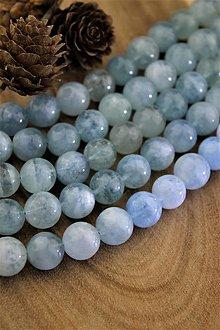 Minerály - akvamarín korálky 12mm (prírodný akvamarín) - 12875301_