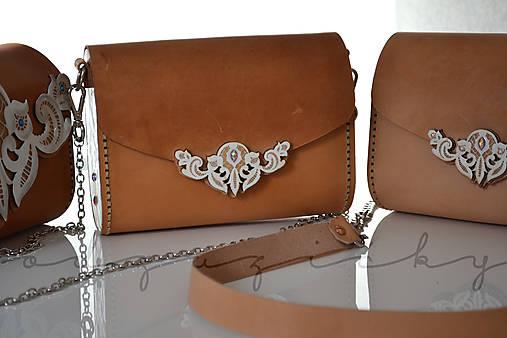 Drevená folk kabelka kožená čipka Odzuzičky (Béžová)