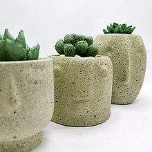 Nádoby - Kvetináč s betónovým kaktusom Tváre - 12873907_