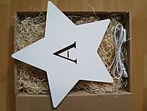 Detské doplnky - Detská drevená lampa - Hviezda s iniciálou - 12878821_