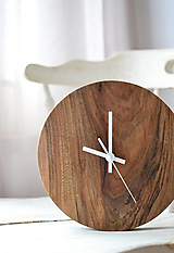 Hodiny - orechové hodiny  (balík na adresu, poistenie 30€, označenie krehké 2€) - 12877298_