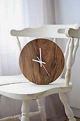 Hodiny - orechové hodiny  (balík na adresu, poistenie 30€, označenie krehké 2€) - 12877299_