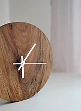 Hodiny - orechové hodiny  (balík na adresu, poistenie 30€, označenie krehké 2€) - 12877301_