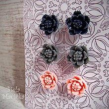 Náušnice - Náušničky napichovacie sada, kvetinky, tmavomodrá, sivá, ružová, striebro.. - 12877152_