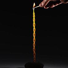 Svietidlá a sviečky - Spirála - Ručně máčená a stáčená, ze včelího vosku - 12881514_