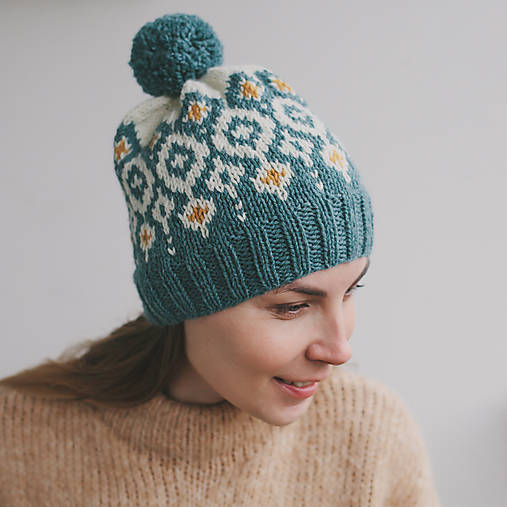 tyrkysová čiapka s nórskym vzorom