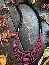 Náhrdelníky - Malinovo-černý náhrdelník - 12885603_