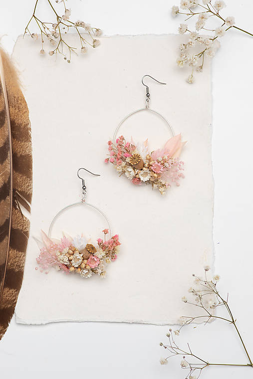 """Kvetinové kruhové náušnice """"plná sľubov"""""""