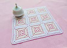 Úžitkový textil - Háčkovaná dečka Pastelové štvorce - 12890943_