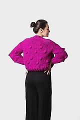 Pletený sveter syto fialový s guličkami