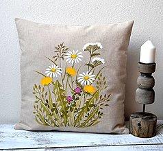 Úžitkový textil - Vankúš-ručne maľovaný-Na letnej lúke - 12900611_