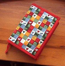 Papiernictvo - obal na knihu srdiečka a kostičky - 12905057_