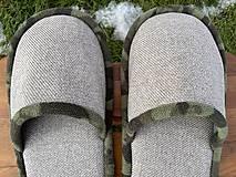Obuv - Papuče so zeleným lemom - 12904636_
