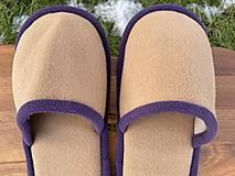 Obuv - Béžové papuče s fialovým lemom - 12904772_