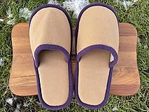 Obuv - Béžové papuče s fialovým lemom - 12904776_