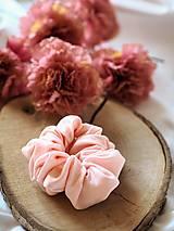 Ozdoby do vlasov - Scrunchie - ružová s bodkami - 12908963_