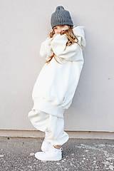 Detské oblečenie - Smotanová mikina oversized minimalist - 12908642_