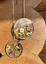 Dekorácie - Závesná dekorácia s lúčnymi kvetmi  (11 cm) - 12912673_