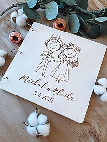Papiernictvo - Svadobná kniha hostí, drevený fotoalbum - Párik - 12917167_