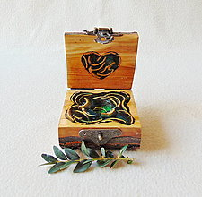 Krabičky - Drevená krabička na prsteň Čarovné polienko - 12921776_