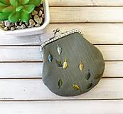 Peňaženka M Lístky malé zelené