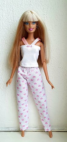 Hračky - Pyžamko s ružovými srdiečkami pre Barbie - 12929950_