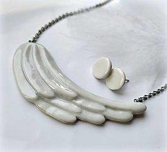 Náhrdelníky - Porcelánový šperk Anjelské krídlo - 12929484_