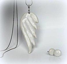 Náhrdelníky - Porcelánový šperk Anjelské krídlo II. - 12929519_