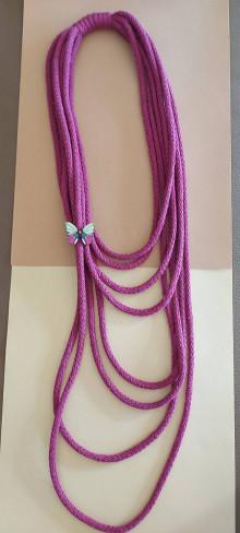 Náhrdelníky - Textilný šperk purpurový - 12929196_
