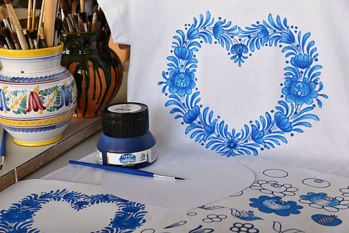 Balíček na domáce maľovanie - Maľujeme srdce na tričko