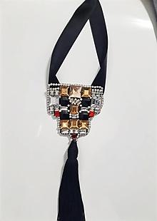 Náhrdelníky - ručne šitý čierny náhrdelník - 12934350_