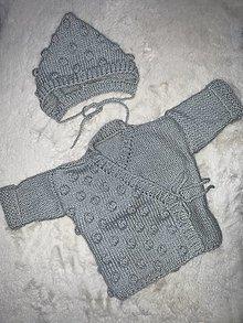 Detské oblečenie - Svetrík s guľkami + čepiec - 12935337_