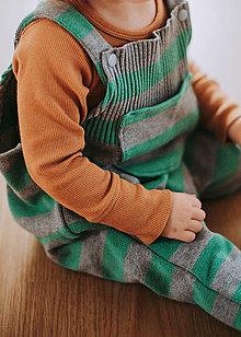 Detské oblečenie - Zeleno-sivé pásikavé lacláče - 12932262_