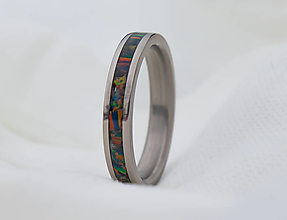 Prstene - Titanový prsteň s opálom - 12938758_