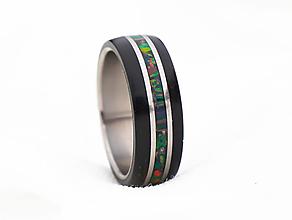 Prstene - Prsteň Titan & Eben & Opál - 12938773_