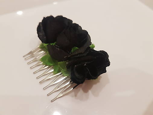 Trojitá kráska Black Rose