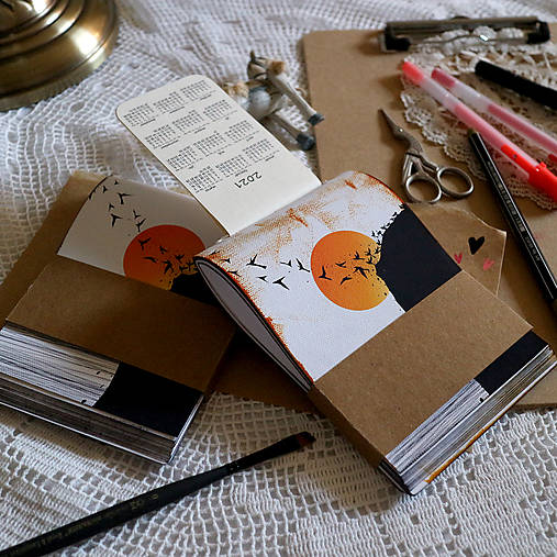 Konflikt/ originál skicárik- zápisník (Biela- čistý obal)