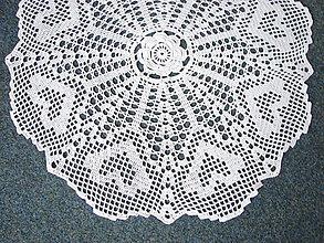 Úžitkový textil - háčkovaný obrus so srdiečkami - 12943886_
