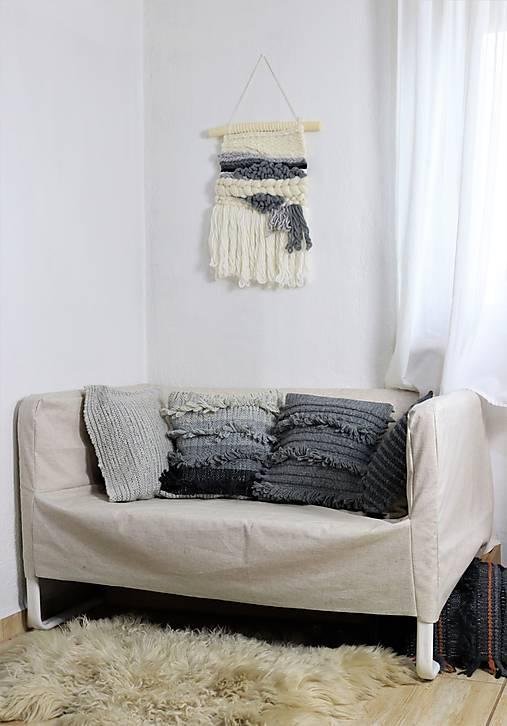 REZERVOVANA Ručne tkaná vlnená tapiséria