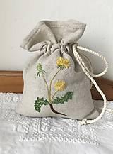 """Úžitkový textil - Vyšívané vrecúško ,,Púpava"""" - 12942045_"""