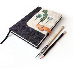 Iné - Vyšívaný zápisník Čierny so stromami - A5 - 12945645_