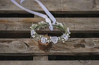 Detské doplnky - Jemný kvetinový venček s bledo šedými kvietkami a gypsomilkou - 12955445_