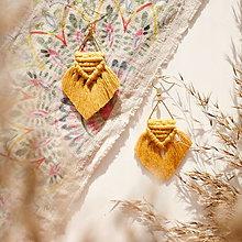 Náušnice - Macramé náušnice Trojuholník (Horčicová žltá, zlatý trojuholník) - 12951459_