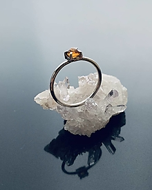 Prstene - Zásnubný prsteň s hessonitom - 12960302_