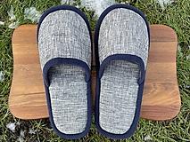 Obuv - Šedé papuče s tmavomodrým lemom - 12956112_