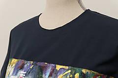 Tričká - Unisex tmavomodré maľované tričko s abstraktným vzorom - 12957056_