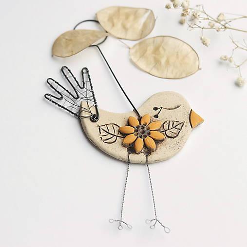 Dekorácie - vtáčik s kvetom - 12961552_