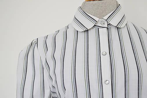 Upcy áčkové košeľové šaty s lesklými gombíčkami